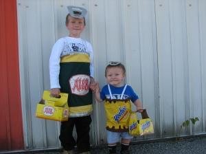 Halloween-2010 (Ale 8 1 & yoo-hoo)